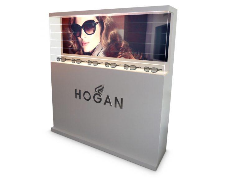 Hogan Vetrina luminosa, materiali: legno, plexiglass e metallo.
