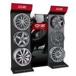 OZ Racing automotive Corner, materiali: metallo, PVC E Plastoferrite.
